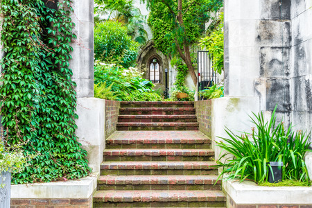 bombings: St. Dunstan-in-the-East, a church was largely destroyed in the Second World War and the ruins are now a public garden in London
