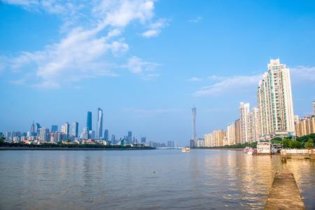 axis: horizonte de Guangzhou, alrededor del eje central