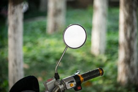 rear view mirror: rear view mirror of a motor