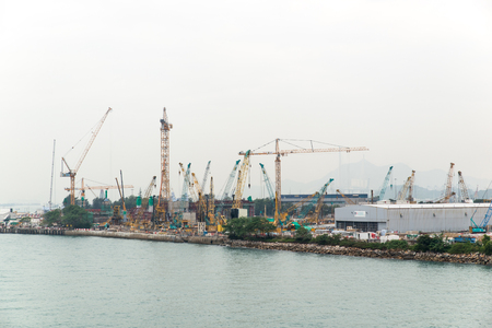 Dec. 3, 2016-Hong Kong: Construction site by the sea. 免版税图像 - 85378340