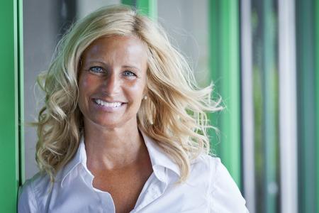 Closeup Of A Mature Woman Smiling 免版税图像
