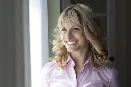 mujeres maduras: Portrait Of A Pretty Happy Woman