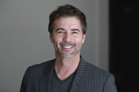 Close up OF A Mature Man Smiling At The Camera Foto de archivo
