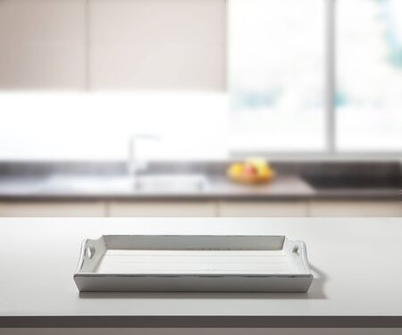 White tray on table top view. Standard-Bild - 129144142