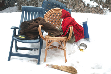 Mess of home related stuff thrown away on the snow