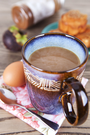 L'ora della colazione - caffè e uova Archivio Fotografico - 87475676