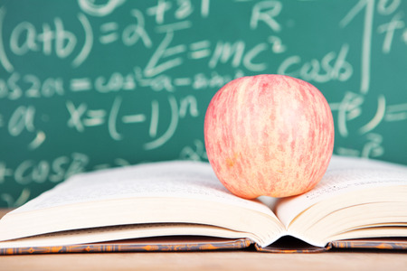 Turn over the apple in the textbook