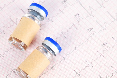 Vaccine drugs on the electrocardiogram 版權商用圖片