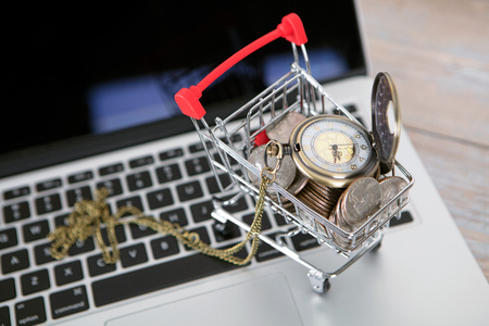 Time for online shopping concept image Imagens