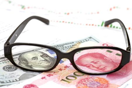Currency Exchange Rate concept, banknote with glasses Imagens