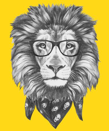 Retrato dibujado mano del león con los vidrios y la bufanda. Vector elementos aislados.