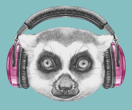 Portrait des Makis mit Kopfhörern. Hand gezeichnete Illustration. Standard-Bild - 73594576