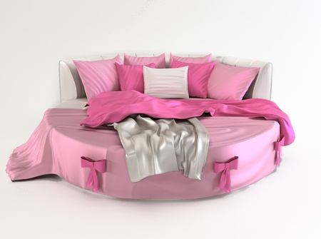 luxuriously: Bed with pillows and covers. Gift.