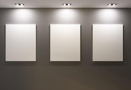 Cornici vuote sul muro grigio in Gallary di museo interno