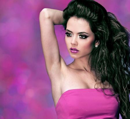 labios sexy: Retrato de una joven y bella mujer sexy, cuidado de la piel Foto de archivo