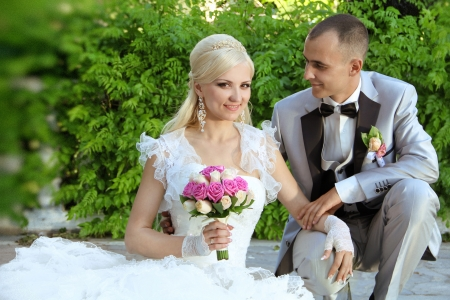 happy bride and groom, outdoors porteait photo
