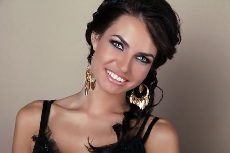 Happy smiling brunette woman, beauty close-up portrait Stock Photo - 15511923
