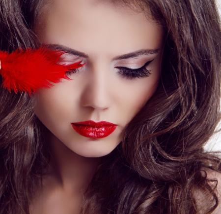 labios rojos: Belleza Moda mujer Retrato. Labios rojos Foto de archivo