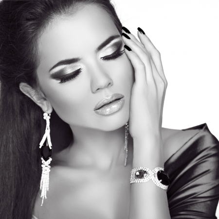 Beauty Fashion Woman Portrait with Jewelry accessories