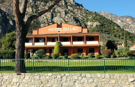 2 november: Limone sul Garda, Italy, 2 November 2015, View of the hotel by the lake.