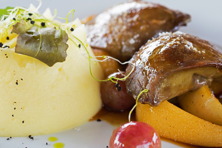 foie gras: Foie Gras with Mashed Potatoes and Fruits