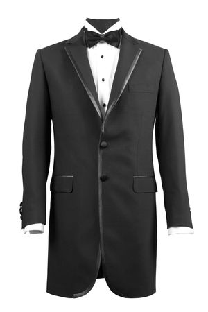caballeros: Vista frontal de esmoquin negro y camisa blanca
