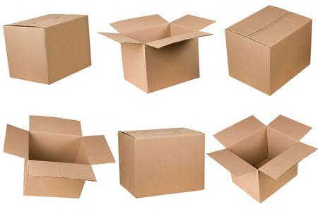 boite carton: Bo�te en carton ouvert et ferm�, isol� sur fond blanc  Banque d'images