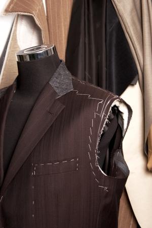 tailor measure: dettaglio del manichino sarti un lavoro in progres
