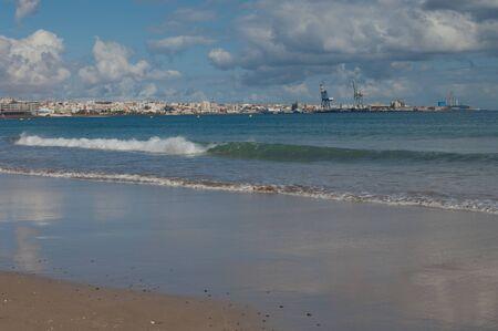 Beah and city of Puerto del Rosario.