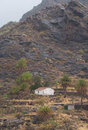 Isolated house in The Aldea ravine. The Nublo Rural Park. Aldea de San Nicolas de Tolentino. Gran Canaria. Canary Islands. Spain. Foto de archivo