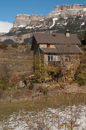 House in the Vio valley and the Sestrales in the background.