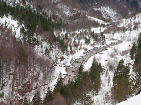 Arazas River in the Ordesa Valley in winter. Foto de archivo
