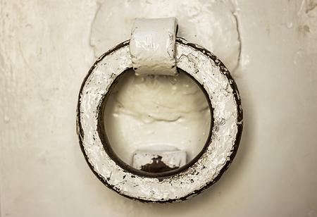 ручка: Ancient door handle