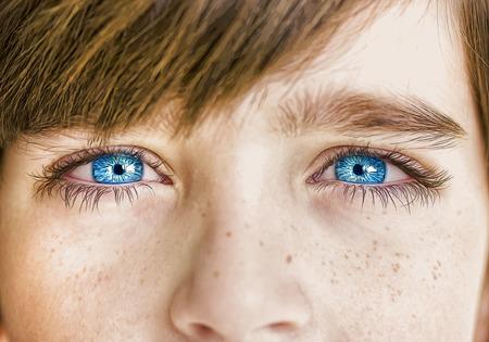 insightful look blue eyes boy Stockfoto