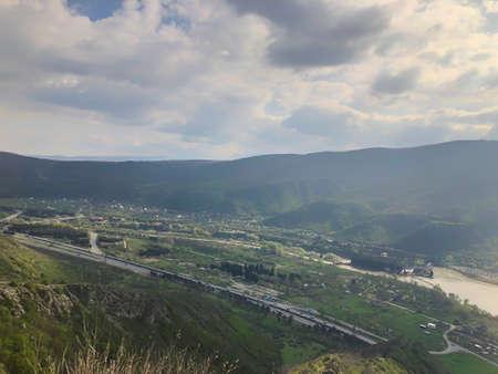 Beautiful view from Jvari Monastery to town of Mtskheta. Imagens