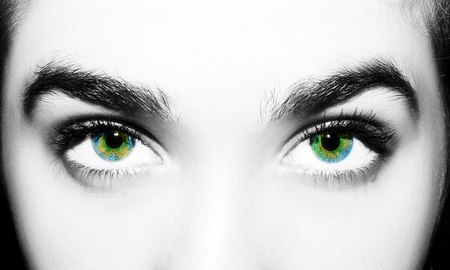 A beautiful insightful look woman eye. Close up shot. Banque d'images