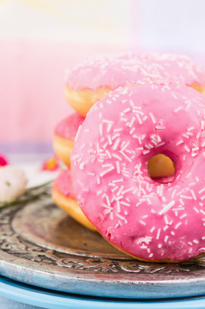 pink donut, close up photo