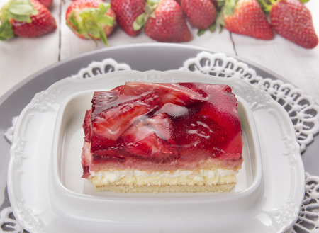 strawberry jelly: strawberry cake with cream and jelly