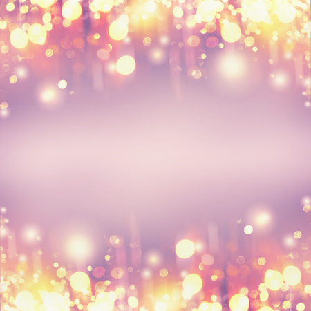 Festive golden holidays bokeh on pastel purple background, frame with copy space Foto de archivo