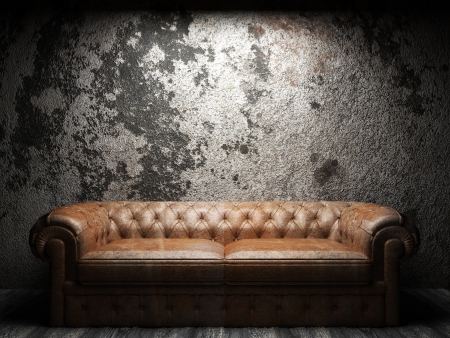 leather sofa in dark room Banque d'images