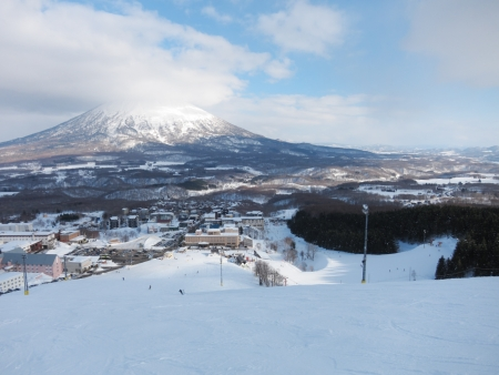 ski runs: Ski runs in Hokkaido, Japan  Hirafu, Niseko and Mount Yotei  Stock Photo