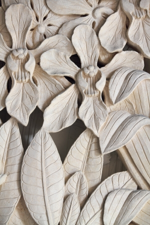 Flower motifs on the wall - Iris