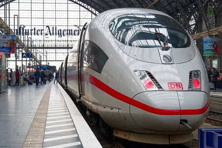 Frankfurt am Main - February 8: Intercity Express, ICE train of Deutsche Bahn in Frankfurt Hbf, Germany. With Fast ICE train you can rich any destanation over Europe Publikacyjne
