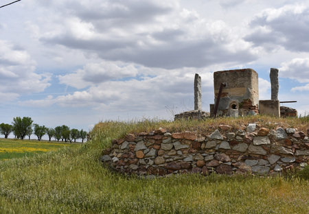 mancha: Old water well