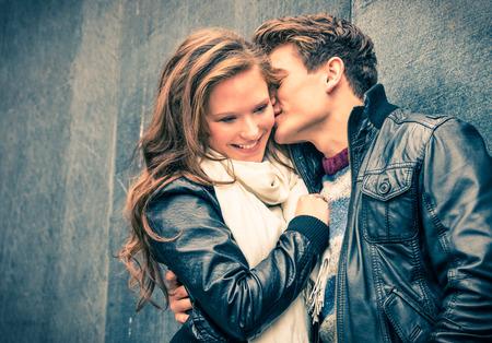 Paar in liefde - Begin van een Love Story Stockfoto