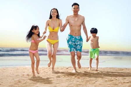 coordinacion: Familia en la playa
