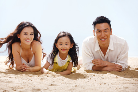 familial affection: Family on beach