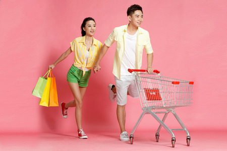 chinese ethnicity: Young lovers shopping