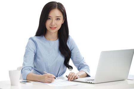 Las mujeres jóvenes en los negocios