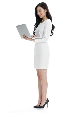 empleado de oficina: Las mujeres jóvenes en los negocios